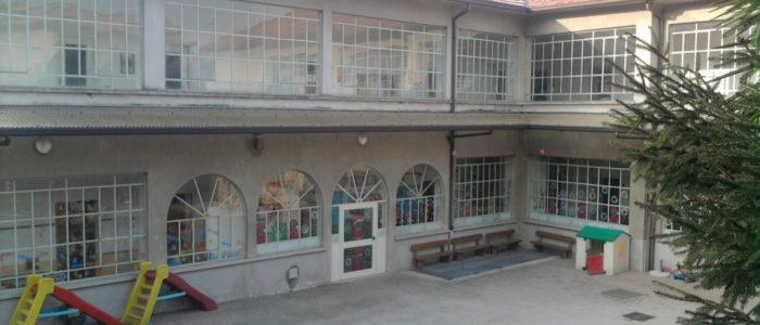 vista del cortile della scuola dell'infanzia di Villa Vergano