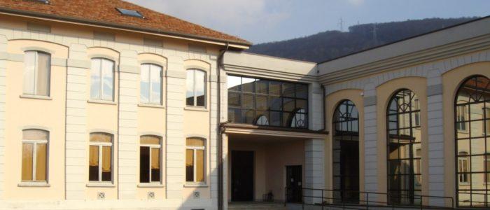 Vista della scuola primaria di Colle Brianza