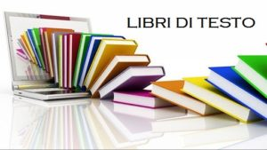 Immagine con libri colorati e un pc